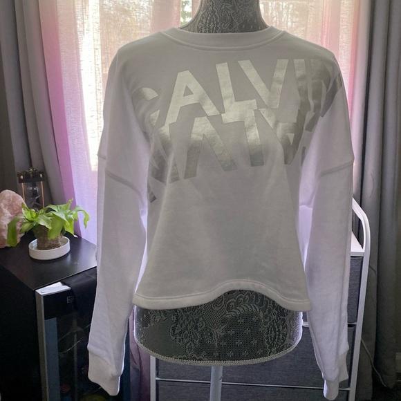 Calvin Klein Performance Sweatshirt.